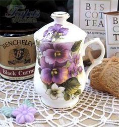 Heirloom English Pansy Bone China Covered Mug