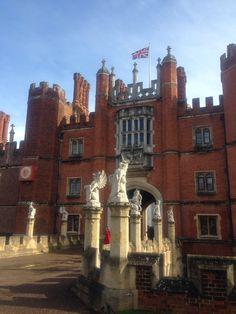 Main entrance of Hampton Court Palace