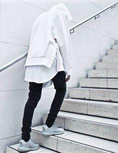 posturban: black and white fashion || Follow @filetlondon for more street wear #filetlondon