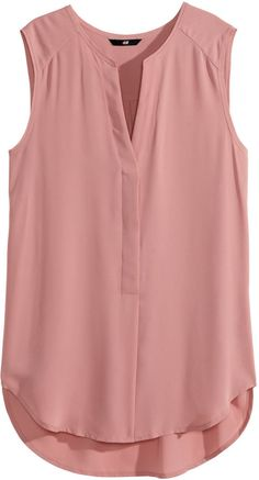 Sleeveless V-neck blouse in woven fabric. Concealed buttons at front, raw edges at neckline and armholes, and rounded hem. Slightly longer at H&M Sleeveless Blouse - Dusty rose - Ladies - ShopStyle Button Front for my stylist - Dusty rose sleeveless blou Casual Outfits, Cute Outfits, Fashion Outfits, Womens Fashion, Dress Casual, Dress Outfits, Dresses, Mode Style, Style Me