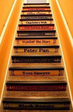 escadas de livros.