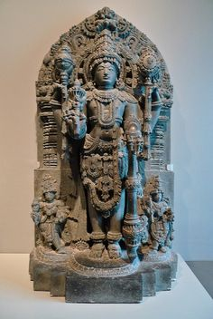 The Hindu deity Vishnu - Century - Indian Art - Asian Art Museum of San Francisco Indian Temple Architecture, Asian Sculptures, Apocalypse Art, Indian Arts And Crafts, Asian Art Museum, India Art, Hindu Deities, Krishna Art, Buddhist Art