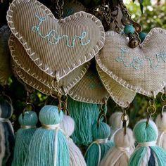 Hearts and tassels Fabric Crafts, Sewing Crafts, Sewing Projects, Diy And Crafts, Arts And Crafts, Heart Crafts, Ideas Para Fiestas, Craft Fairs, Garland