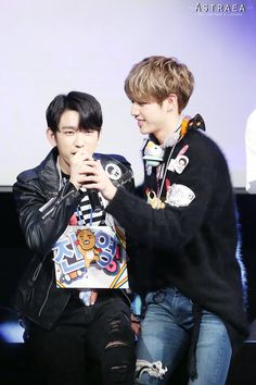 Couple: Mark & Jinyoung GOT7 Author: AjjushiLeader Translator: Alie D… #fanfiction Fanfiction #amreading #books #wattpad