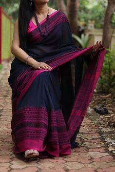 Trendy Sarees, Stylish Sarees, Mirror Work Dress, Cotton Dresses Online, Cotton Saree, Cotton Silk, Churidar Designs, Indian Silk Sarees, Saree Trends