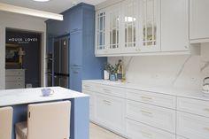 Projekt NAVY - granatowa, elegancka kuchnia w klasycznym stylu Kitchenaid, The Hamptons, Luxury Homes, Kitchen Design, Kitchen Cabinets, Interior Design, House, Navy Blue, Interiors