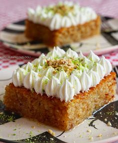 One of Turkish sweet, called kadayıf with cream Baklava Cheesecake, Yogurt Cups, Desert Recipes, Food Design, Food And Drink, Vitamin D, Cooking Recipes, Yummy Food, Ethnic Recipes
