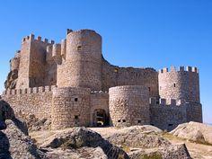Castillo de Manqueospese. Mironcillo (Avila)
