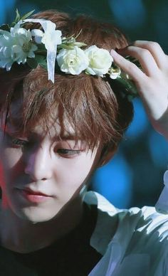 This guy is an angel I believe it Baekhyun Chanyeol, Kim Minseok Exo, Exo Ot12, Luhan And Kris, Spirit Fanfic, Exo Official, Xiuchen, Exo Korean, Kim Min Seok