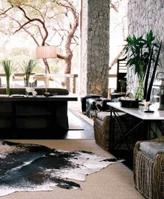 african-interior 7 londolzi-Pioneer-Camp-white © Yvonne O'Brien: The Private House Co