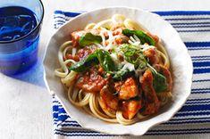 Sartén de pasta con pollo y espinaca  receta