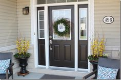 4 Tips to Enhance Your Front Entry // Outdoor Seating and Decor – Wreath For Front Door İdeas. Front Entry Decor, Front Door Entryway, Front Door Porch, Entrance Decor, Wreaths For Front Door, House Front, Entryway Decor, Foyer Furniture, Entrance Ideas