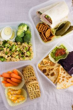 Education School Back to School Lunch Ideas – 4 quick and easy lunches that are simple to prepare and can be enjoyed by children and adults. High School Lunches, College Lunch, Back To School Lunch Ideas, School Lunch Box, Simple Lunch Ideas, Lunch Ideas For Teens, Work Lunches, Teacher Lunches, Bag Lunches