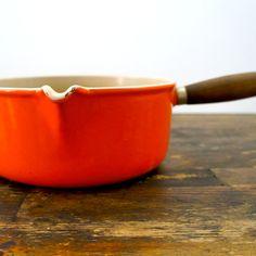 Gietijzeren steelpan Le Creuset maat 22 oranje