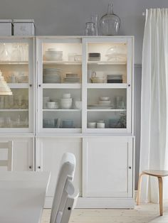 Bright Dining Rooms, Ikea Dining Room, Dining Room Design, Dining Area, Dining Table, Ikea Storage, Sofa Tables, Classic Furniture, Sliding Glass Door