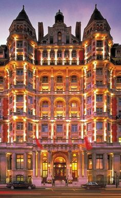 Mandarin Hotel Hyde Park, London | Well Living Hotels, Luxury Lifestyle, Luxury Hotels. Find Out More: http://luxurysafes.me/blog/