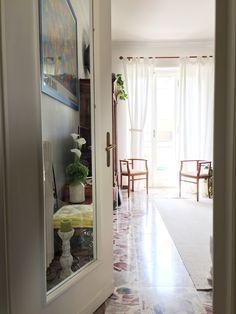Callas, white, livingroom