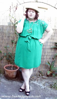 Too Many Sequins...a great fatshion blog.