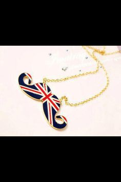 I love this necklace!! Sooo Cute <3