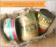 Chicken Tortilla Soup Mix in a Jar Gifts in a jar are great to give to those on your Christmas list. Everyone loves getting them, and it helps you to not overspend on Christmas. Dry Soup Mix, Soup Mixes, Spice Mixes, Mason Jar Mixes, Mason Jars, Jar Gifts, Food Gifts, Gift Jars, Canning Recipes