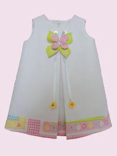 Vestido de niña elaborado en tela de piqué, forrado en tela de algodón, con adorno - artesanum com Little Dresses, Little Girl Dresses, Girls Dresses, Toddler Dress, Toddler Outfits, Kids Outfits, Kids Frocks, Frocks For Girls, Pretty Little Dress