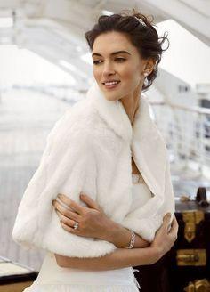 Gilet court fourrure robe mariage