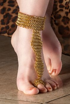 #chainmaille #barefoot #ankle
