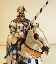 The Weekend Pic - Medieval Knight Alleaume De Carpennes Paper Model - == -  This paper model of the Medieval Knight Alleaume De Carpennes was assembled by German modeler Reinhard Fabisch and he kindly posted a very well done step-by-step with photos of the process of construction at kartonbau.De Forum . This brilliant paper model was designed by great Italian artist Fabrizio Prudenziatti (1946-2014). The Medieval Knight and his horse are something about 1/25 scale.