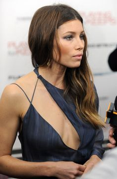 Jessica Biel in Versace   -   unattractive, looks like a discount dress