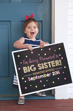 Pink and Gold Big Sister Announcement - Pregnancy Announcement - Pink and Gold Photoshoot Prop - Promoted to Big Sister sign - DIY Printable #ad #pregnancy #pregnancyannouncementtoparents,