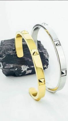 I could rock this cuff bracelet all day, every day. rn