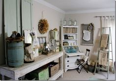 Great collection of vintage items