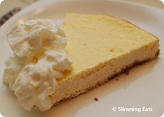 3 syns a slice.  Baked Vanilla Cheesecake | Slimming Eats - Slimming World Recipes