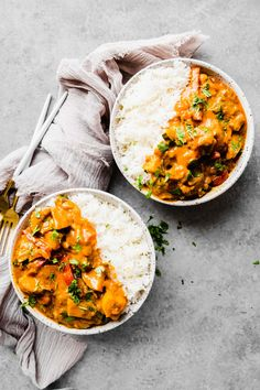 This one pan vegan Thai Curry cooks in 30 minutes and will be perfect for meal prep and leftovers. Vegan Dinner Recipes, Delicious Vegan Recipes, Vegan Dinners, Lunch Recipes, Vegetarian Recipes, Vegan Desserts, Curry Recipes, Asian Recipes, Vegan Thai Curry