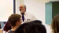 """Er holt den Held der US-Serie """"Dr. House"""" in den Hörsaal: Der Marburger Kardiologe Professor Jürgen Schäfer wurde für seine Idee nun mit dem Pulsus Award als """"Arzt des Jahres"""" ausgezeichnet. Pointer war bei der Preisverleihung dabei. Mehr auf www.pointer.de..."""