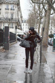 Deugtniet Snapback, H&M Leather Jacket, Balenciaga City Bag, Nike Grey Roshe Runs
