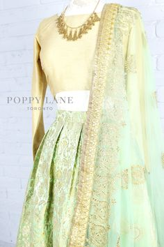 Unique Blouses, Sarees and Lenghas that embody the vibrancy of South Asian fashion with a modest up to date western flair. Indian Outfits Modern, Ethnic Outfits, Indian Designer Outfits, Fashion Outfits, Indian Attire, Indian Wear, Indian Suits, Wedding Dresses For Girls, Lengha Choli