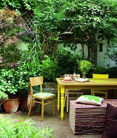 Lush, outdoor dining