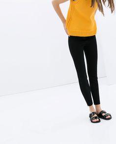 Image 6 of ROUND NECK SLEEVELESS JUMPER from Zara