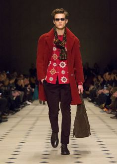 Runway Looks from the Burberry Prorsum Menswear A/W15 show