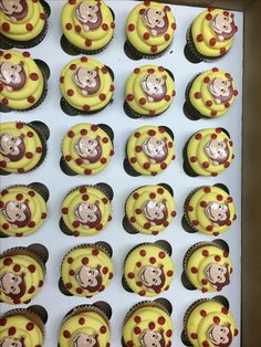 Curious George cupcakes Curious George cupcakes The post Curious George cupcakes appeared first on Paris Disneyland Pictures. Birthday Bbq, Baby Boy Birthday, 2nd Birthday Parties, It's Your Birthday, Birthday Ideas, Curious George Cupcakes, Curious George Party, Curious George Birthday, Cupcake Birthday Cake