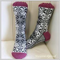 Ravelry: Høststjerne sokker pattern by Marianne Skjelstad Cool Socks, Awesome Socks, Alpacas, Needles Sizes, Knitting Socks, Mittens, Ravelry, Calves, Knit Crochet