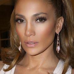 Jennifer Lopez lancia il suo make-up: JLOxInglot Natural Wedding Makeup, Wedding Hair And Makeup, Bridal Makeup, Natural Makeup, Maquillaje Jennifer Lopez, Jennifer Lopez Makeup, Jenifer Lopes, Jlo Makeup, Hair Makeup