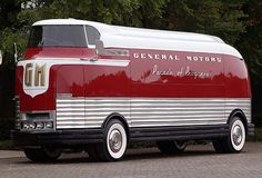 lost toronto: 1953 GM Futureliner Motorama Dream Car.