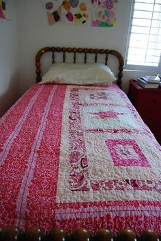 Use idea for Ella's duvet cover in black and pink.