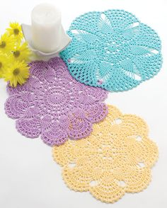 Crochet World: 3 Free crochet pineapple doily patterns. Crochet Doily Patterns, Thread Crochet, Filet Crochet, Crochet Crafts, Crochet Projects, Crochet Classes, Crochet Dollies, Crochet Flowers, Crochet Lace