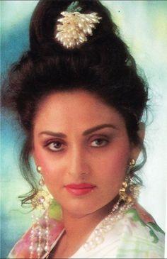 Jaya Prada Beautiful Bollywood Actress, Most Beautiful Indian Actress, Beautiful Actresses, Indian Film Actress, Indian Actresses, Asian Celebrities, Celebs, Madhuri Dixit Hot, Indian Wife