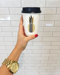 But first coffee! How cute are these cups though☕️🍍@jamaicablue // #coffee #pineapple #michaelkors #design #designer #look #fashionblogger #blogger #streetwear #streetstyle #streetfashion #model #photography #instalove #instadaily #outfit #ootd #bondi #g