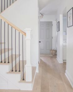 Beautiful Homes of Fixer Upper - Home Bunch Interior Design Ideas Staircase Railings, Staircase Design, Banisters, Dark Staircase, Staircase Remodel, Staircase Makeover, Staircase Ideas, Hallway Ideas, Home Renovation