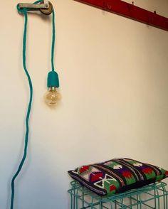 Luce con filo rivestito in tricotin verde petrolio